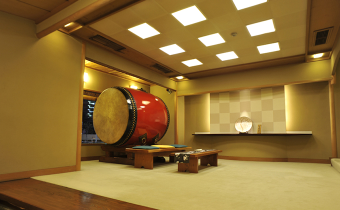 Giant drum at the entrance