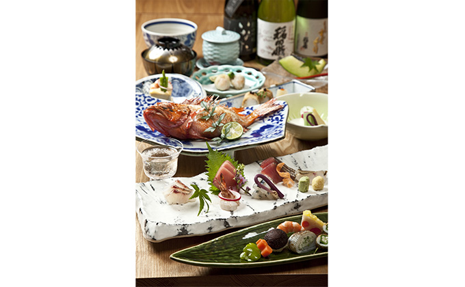 You can enjoy authentic Japanese dishes prepared by professional chefs.