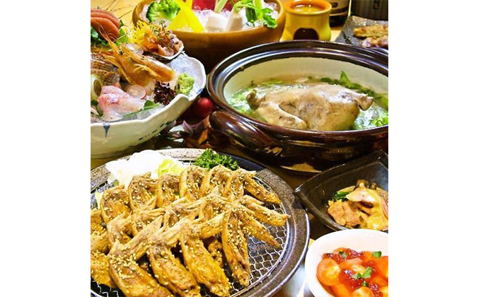 We serve Japanese dishes prepared in accordance with the season.