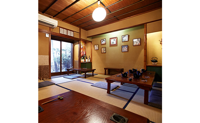 Inside the restaurant are the tatami rooms of an old Japanese house.